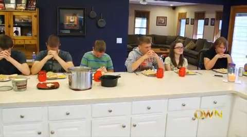 A glimpse inside the home of the McCaugheys and the happenings of a typical dinner with the septuplets.