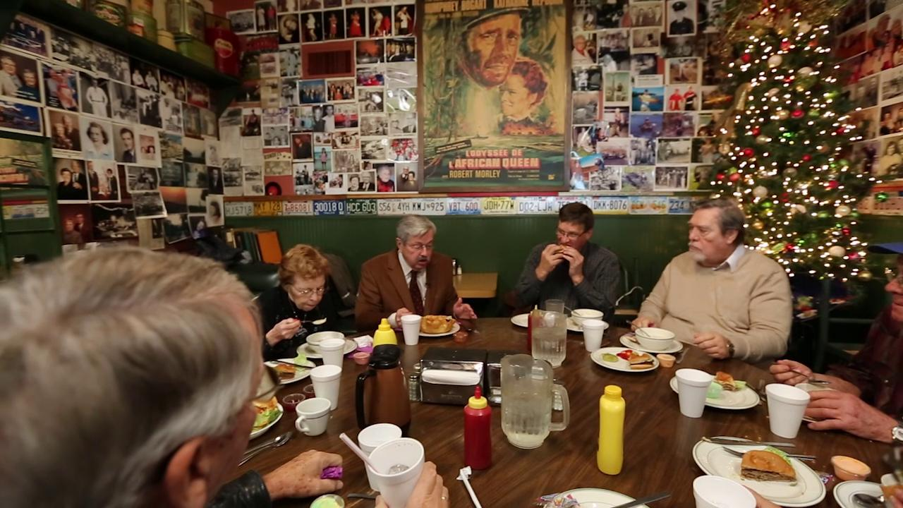 Gov. Branstad gives a history lesson over lunch in Lake Mills