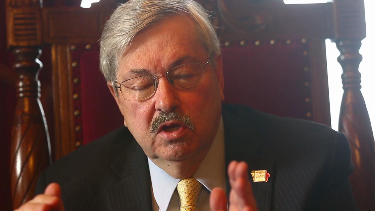 Branstad discusses ban the box legislation