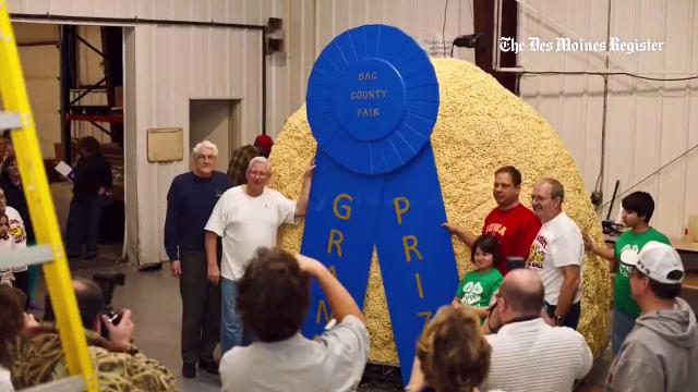 Sac City, Iowa, in June 2016 built its fourth giant popcorn ball -- this one weighing more than 10,000 pounds!
