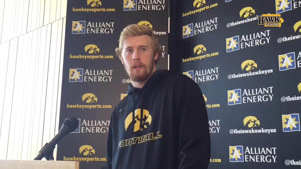 C.J. Beathard describes how VandeBerg got hurt