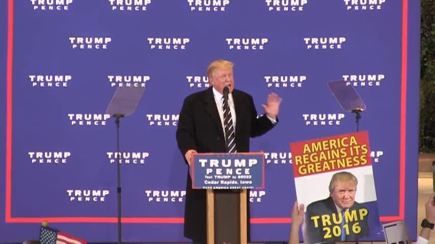 Trump attacks Clinton on latest FBI investigation