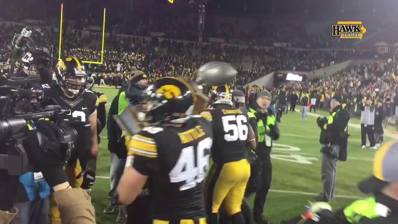Hawkeyes hoist the Heroes Trophy