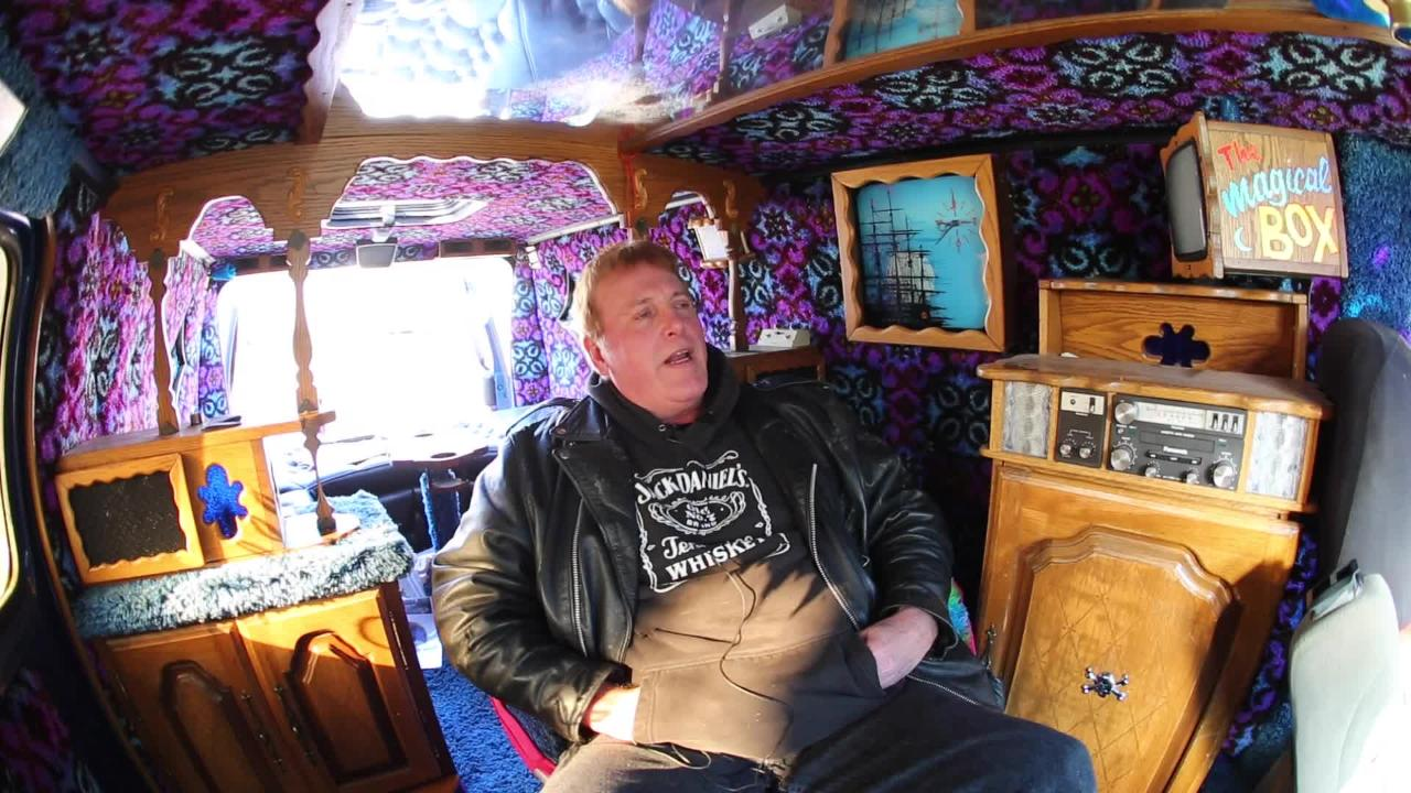 Reliving youth in a 1976 'Shag Wagon'
