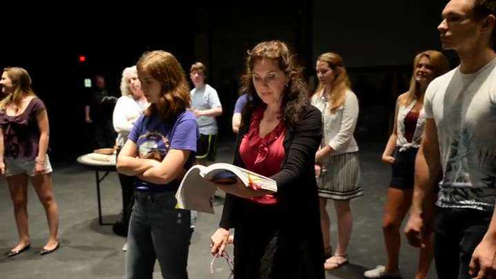VIDEO: Broadway Star Brings Theater Home