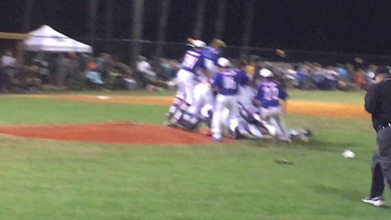 RAW VIDEO: Columbia Academy celebrates winning the MAIS AAA State  Championship