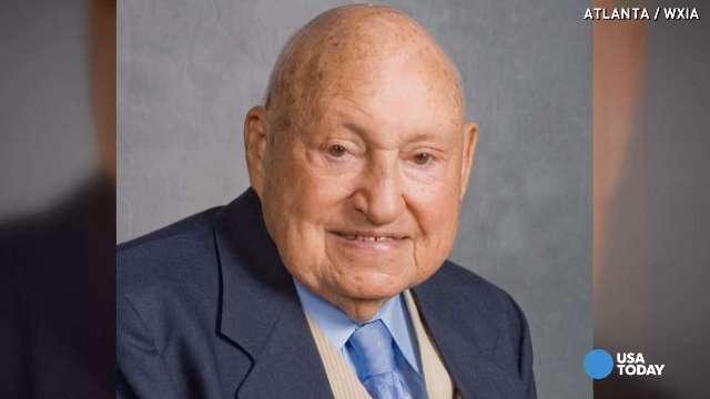 S. Truett Cathy, Chick-fil-A founder, dies at 93