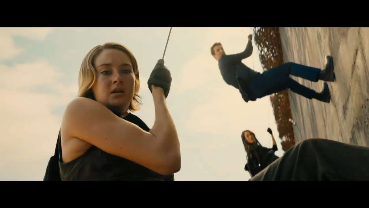 The 'Divergent' saga continues beyond the wall in 'Allegiant.'