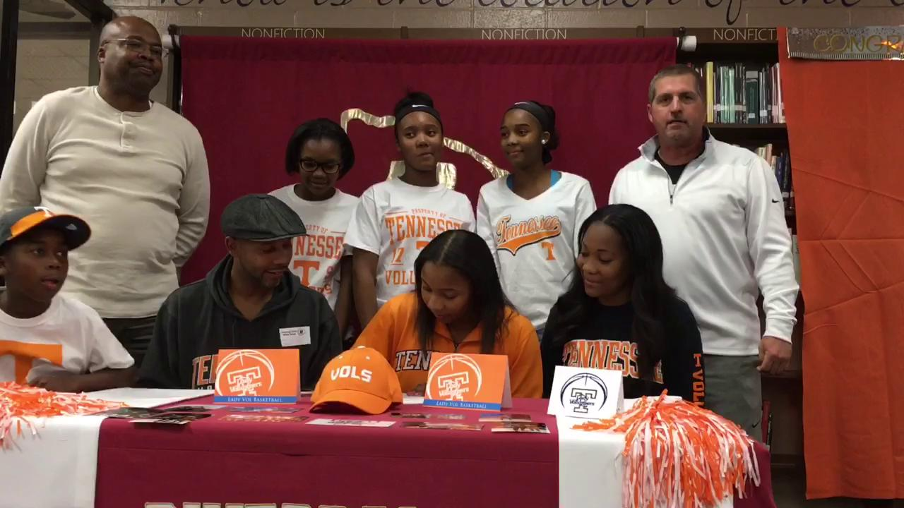 Riverdale's Anastasia Hayes signs with UT