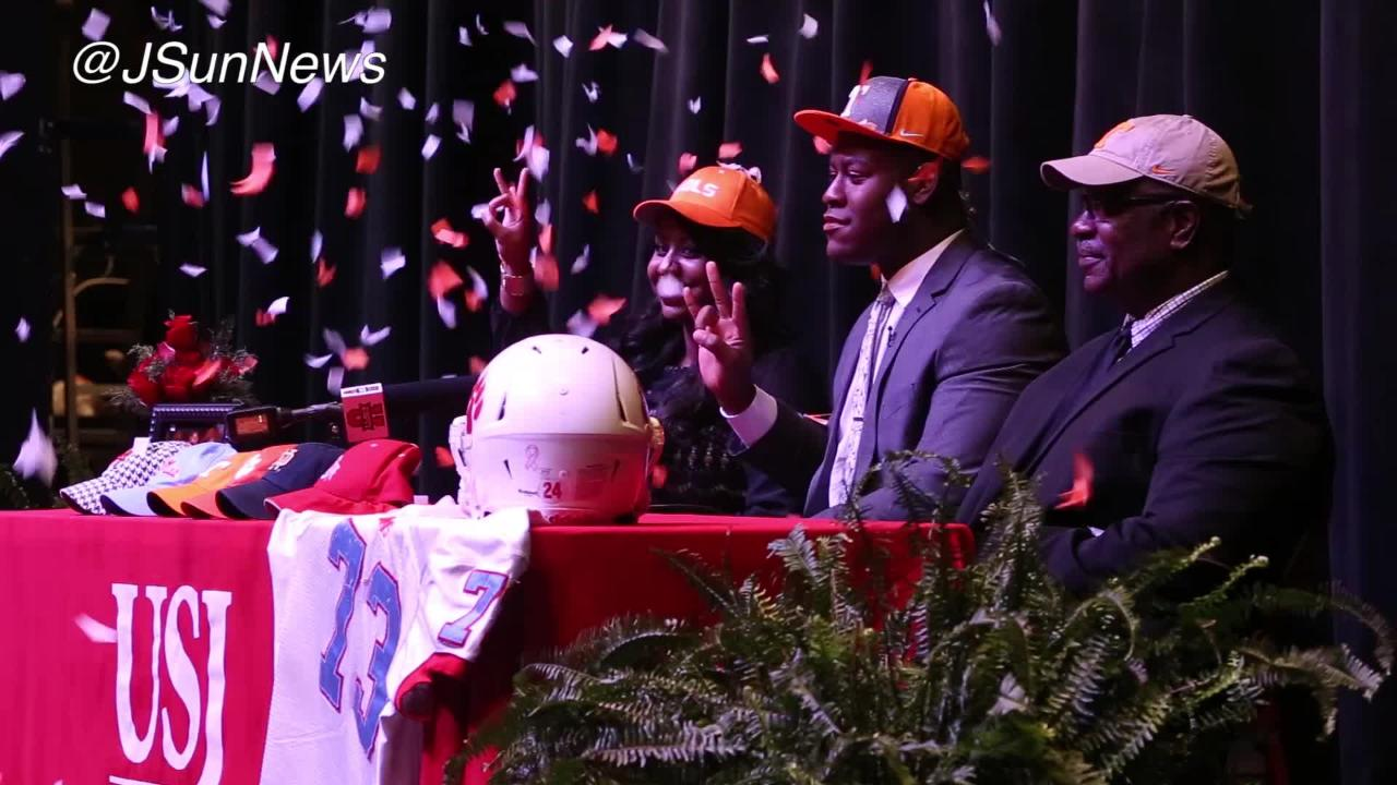 VIDEO: Trey Smith commits to the University of Tennessee