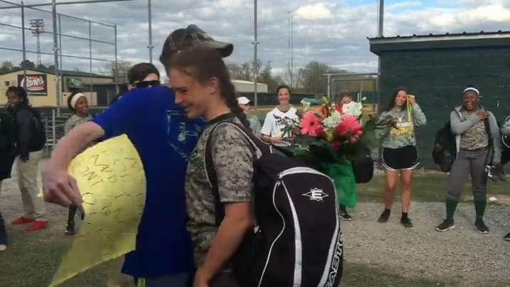 Watch This Surprise Prom Proposal At Acadiana High