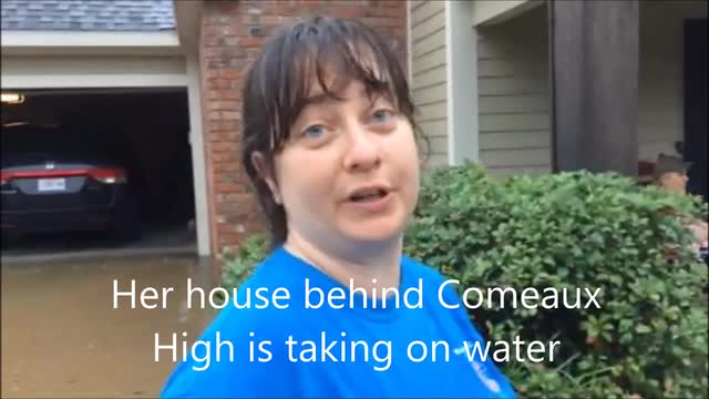 WATCH: Residents describe flooding near Comeaux High