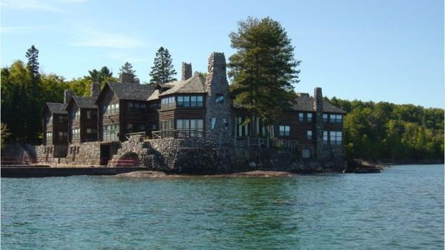 Granot Loma: A log cabin mansion on Lake Superior