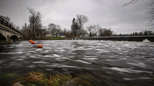 Eaton Rapids debates future of its dams
