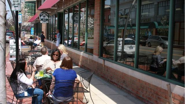 Five favorite spots to dine alfresco in Battle Creek, Michigan.