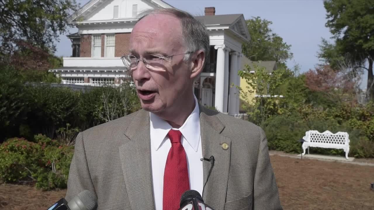 Gov. Robert Bentley: Interim senator must support Trump