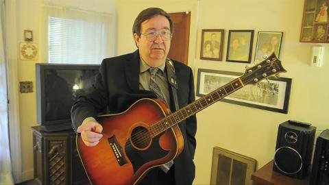 """Steve Gibson talks about the Stringbean murders. His father Curt played with Stringbean and practiced a song that they intended to play the next week on the Grand Ole Opry. The hymn """"I'm Coming Home"""""""