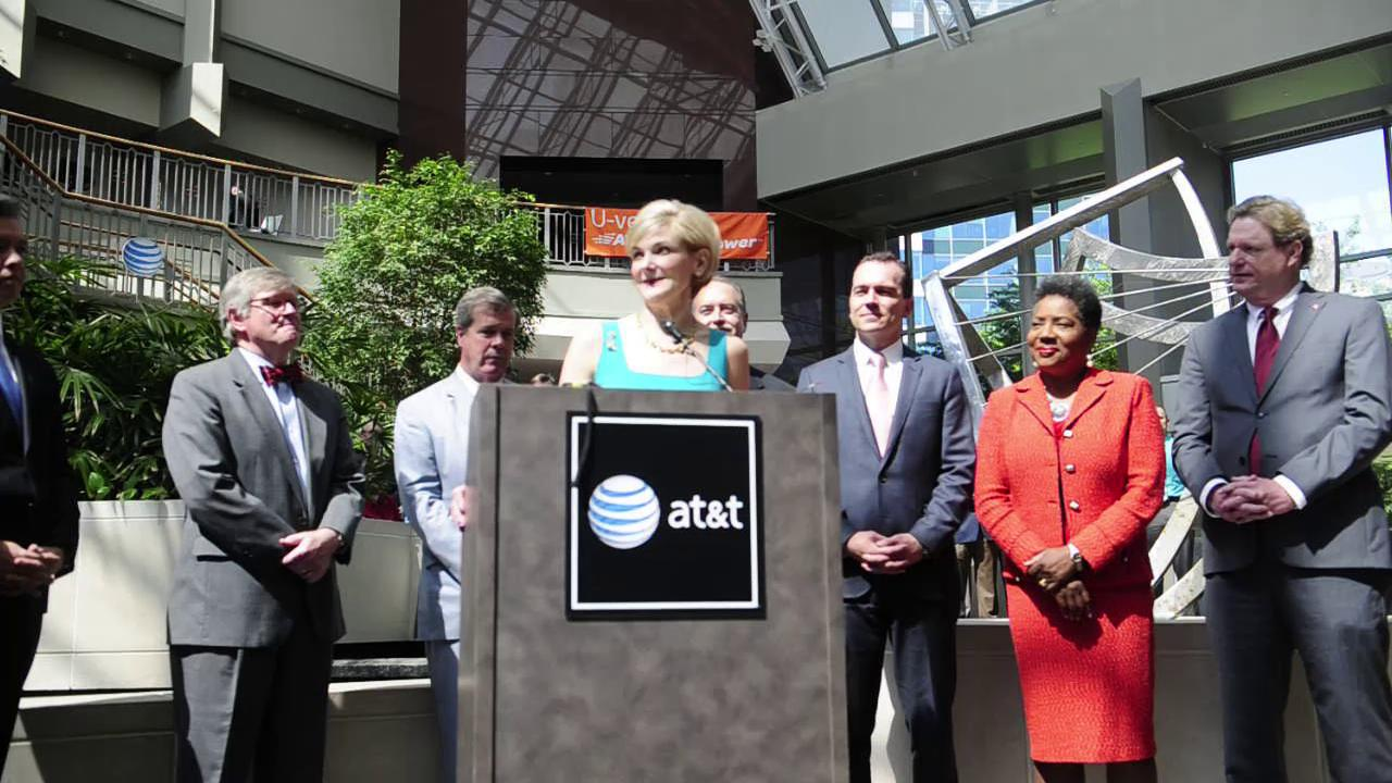 AT&T rolls out gigabit internet service