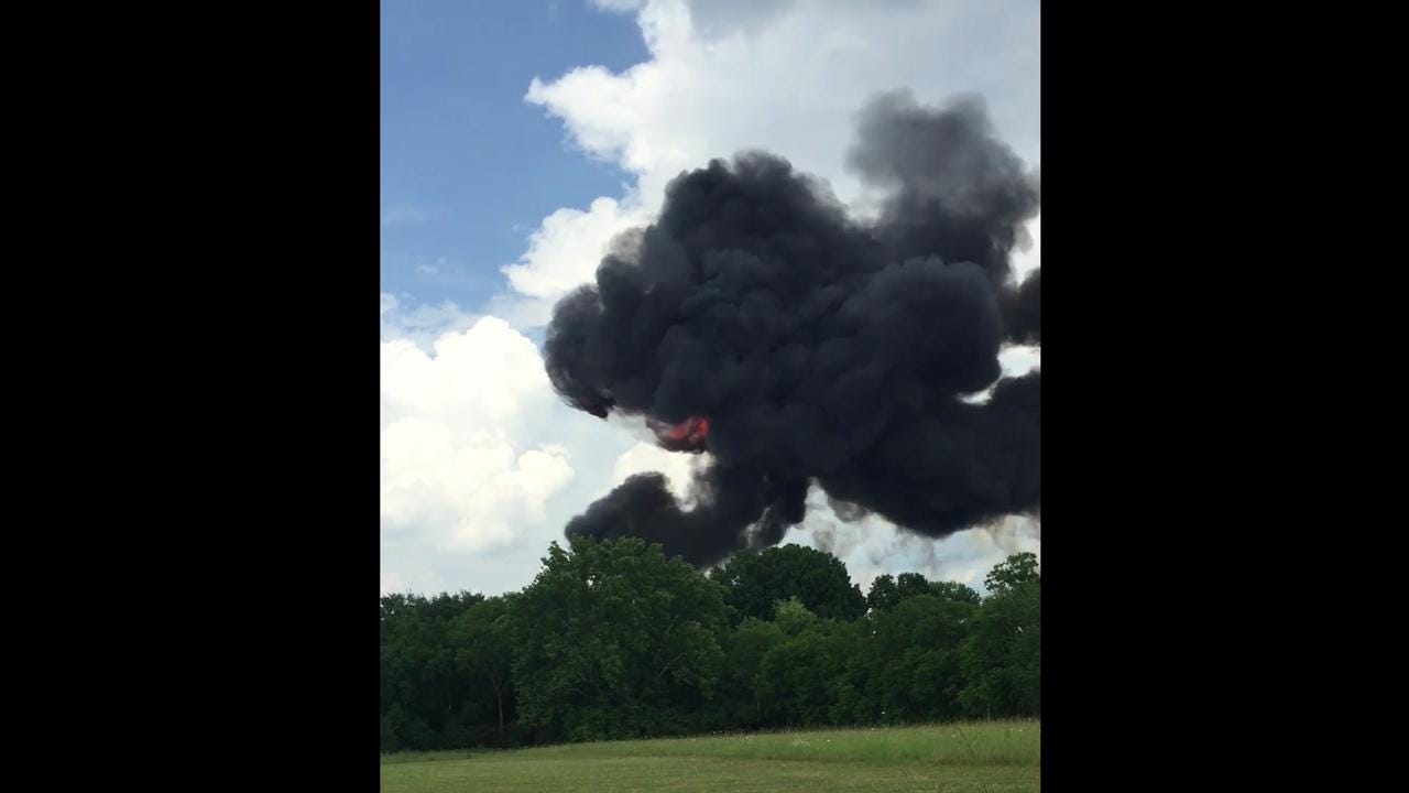 RAW: Witness films, reacts to Blue Angels crash in Smyrna