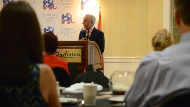 Sen. Bob Corker greets delegates during convention breakfast