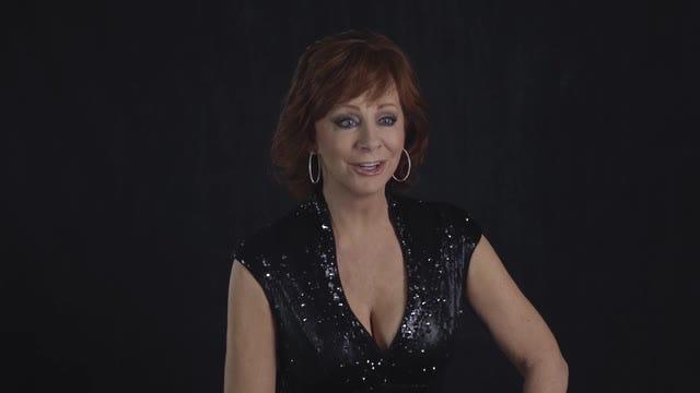 Reba Mcentire Christmas Guest.Cma Awards 50 50 Iconic Moments With Reba Mcentire And Little Big Town