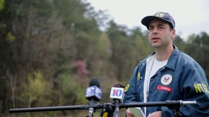 An official with the National Transportation Safety Board answers questions about the 2016 sightseeing helicopter crash that killed five in Sevier County. (Video by Caitie McMekin/News Sentinel)