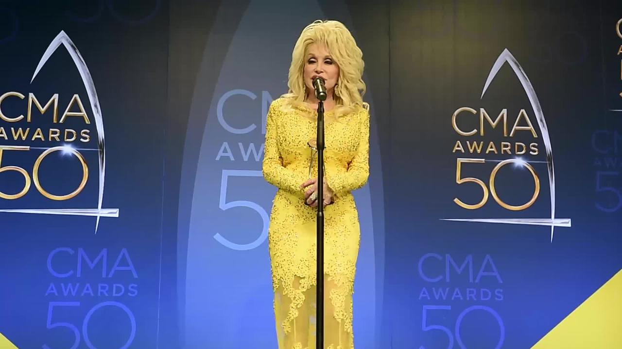 CMA 2016: Dolly Parton on Willie Nelson Lifetime Achievement Award win