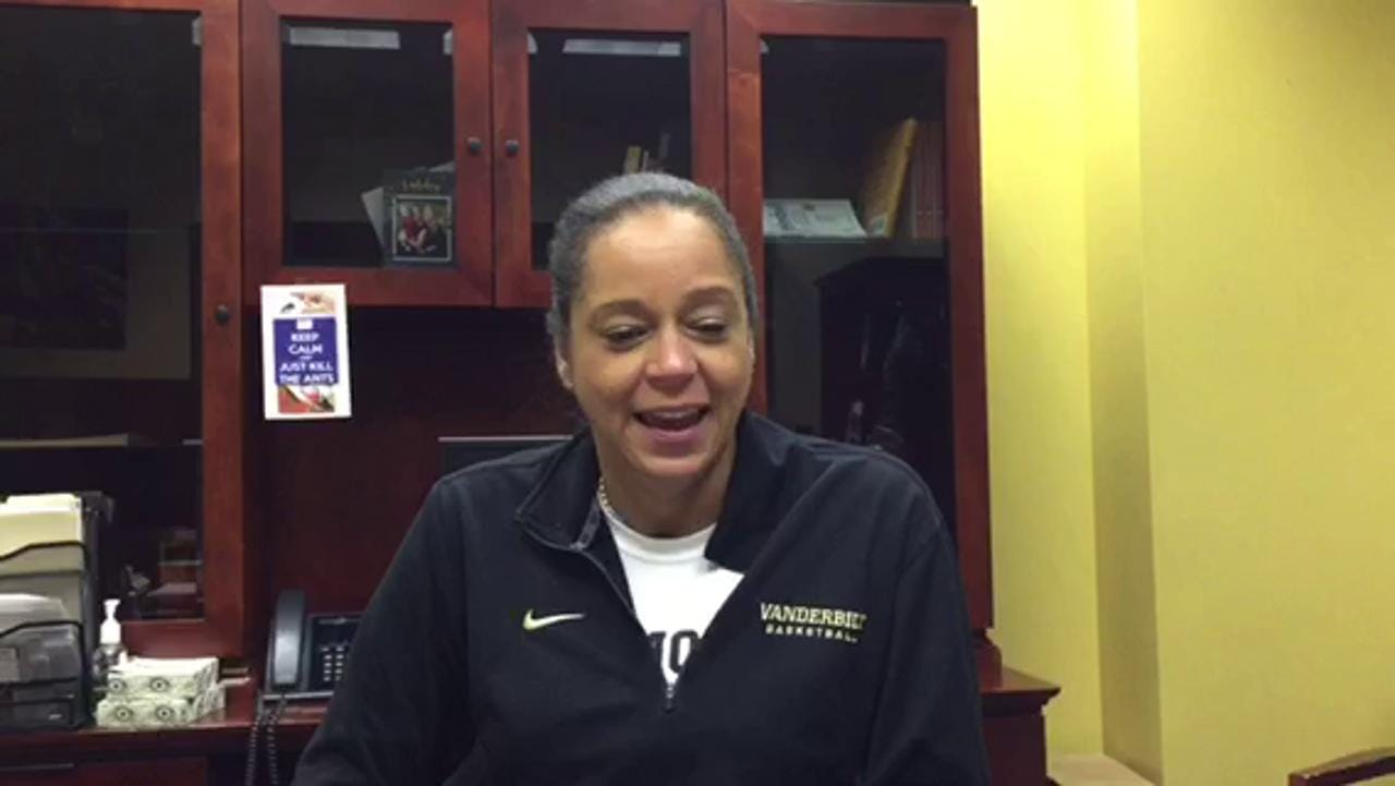 Carolyn Peck reflects on beating Lady Vols at Purdue