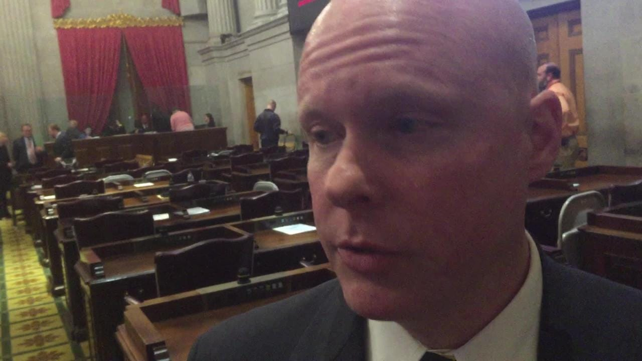 Rep. David Hawk reacts to State of the State