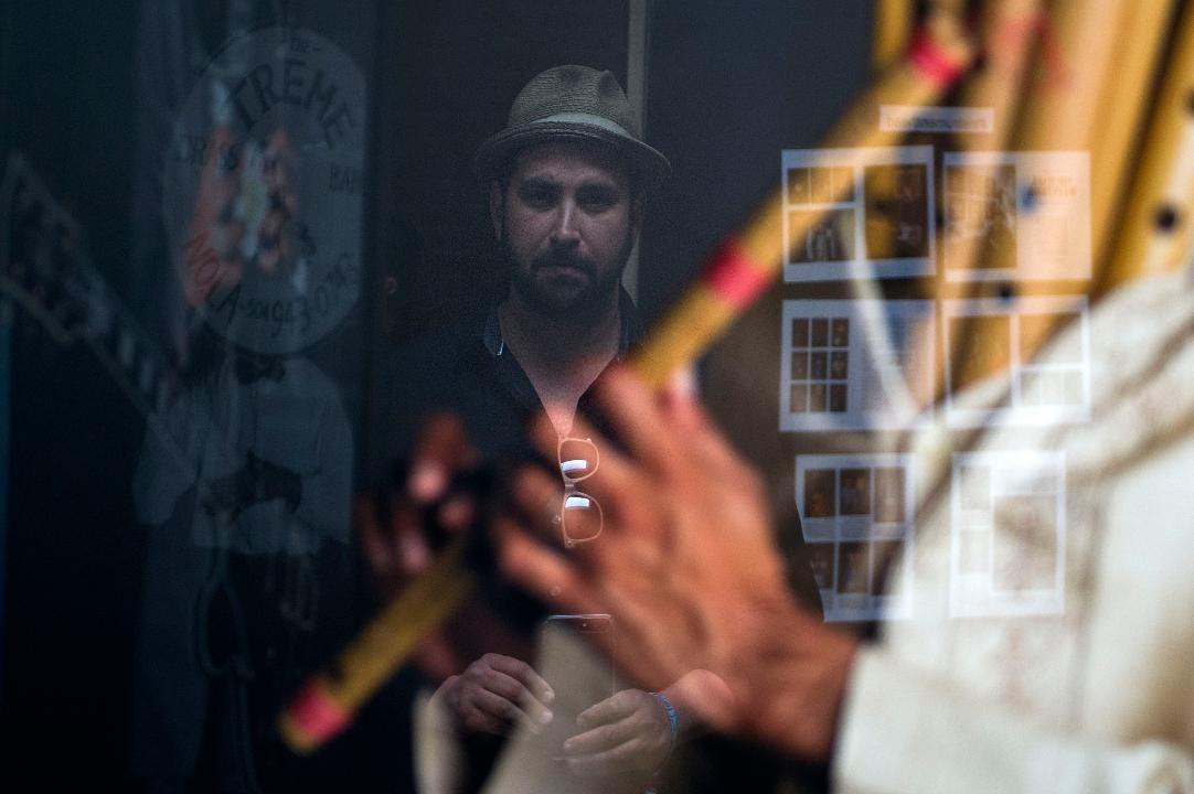 """Video: Nashville photographer shows """"Instrumenthead"""" work"""
