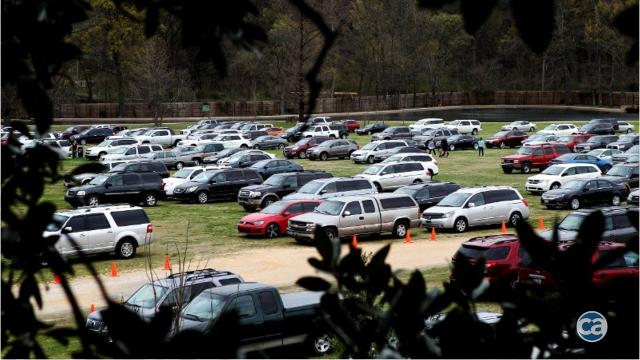 Memphis Zoo officials might pull funding for parking design