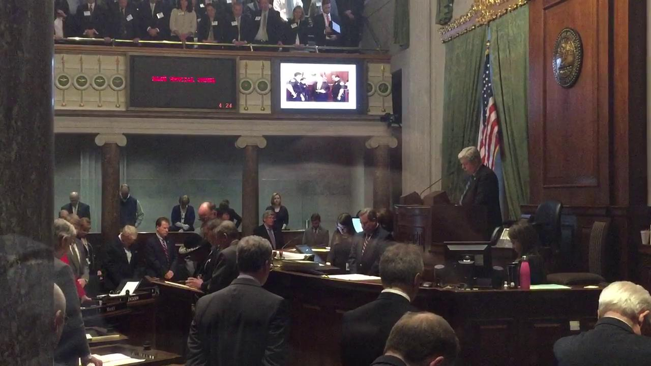 Senate pays tribute to Sen. Doug Henry