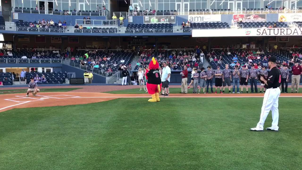 Watch: One-armed catcher Luke Terry catches first pitch at Sounds game