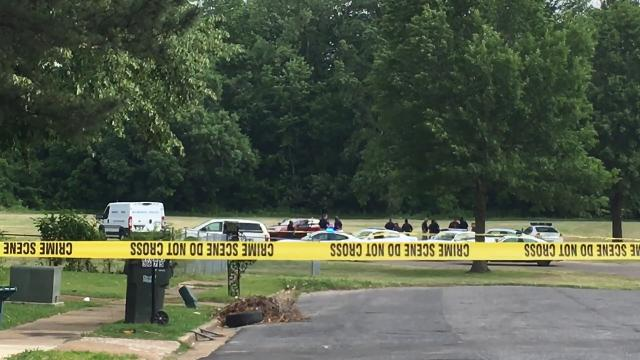 Memphis hairdresser found shot to death in park