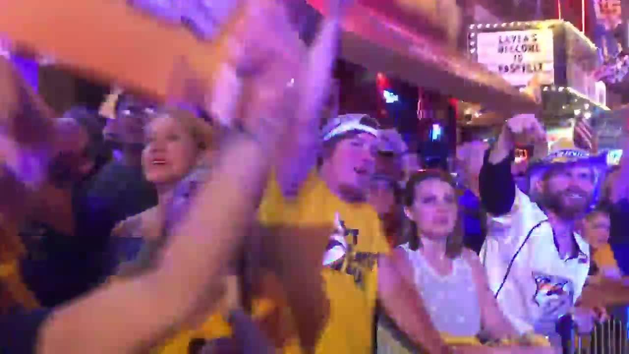 Predators fans at Broadway Smash react to the Predators' fifth Game 3 goal