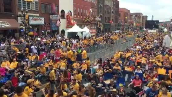 Predators fans take over Broadway for Game 4