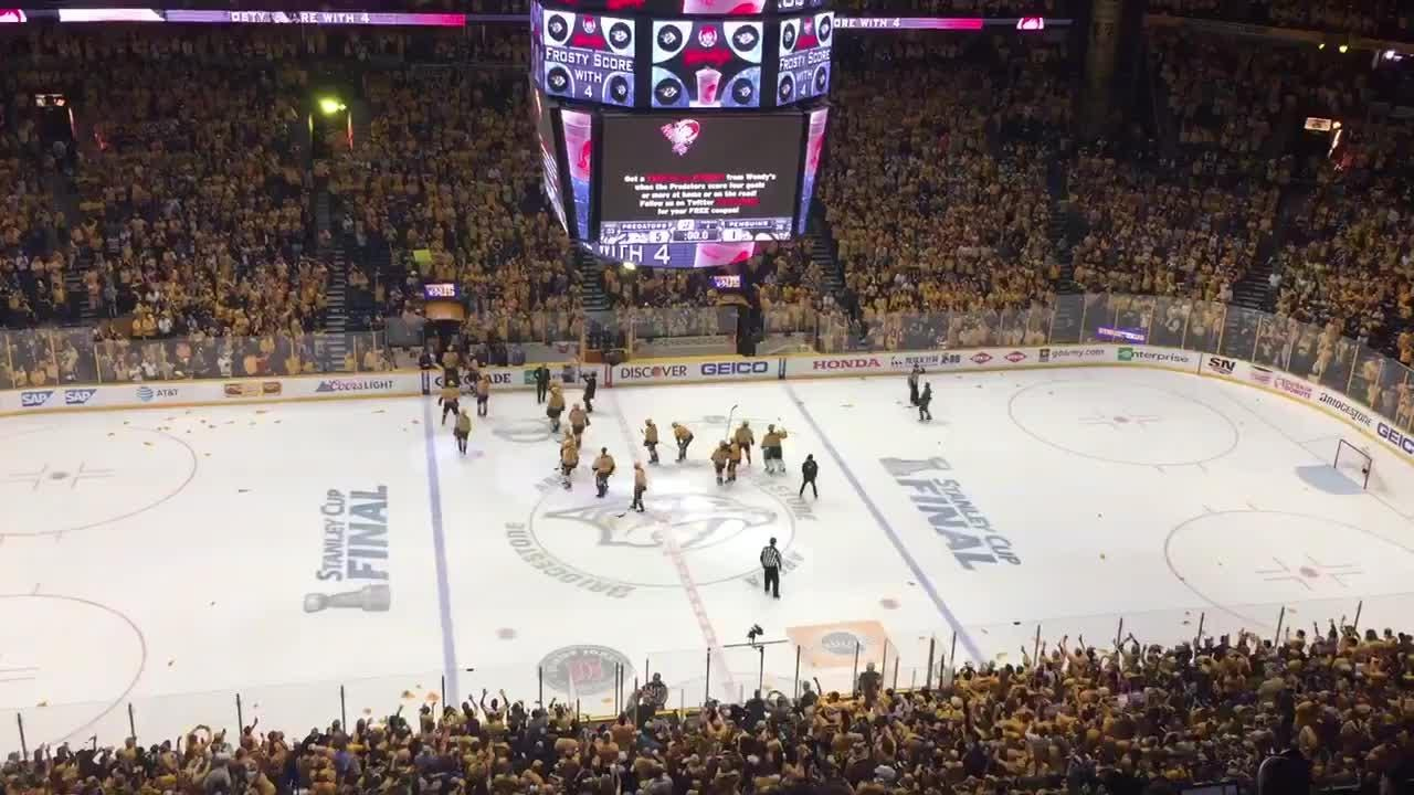 Predators salute fans after Game 3 win