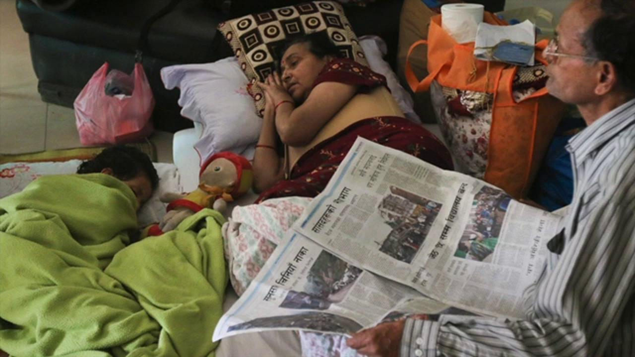 After second quake, hospital operates in tent in Nepal