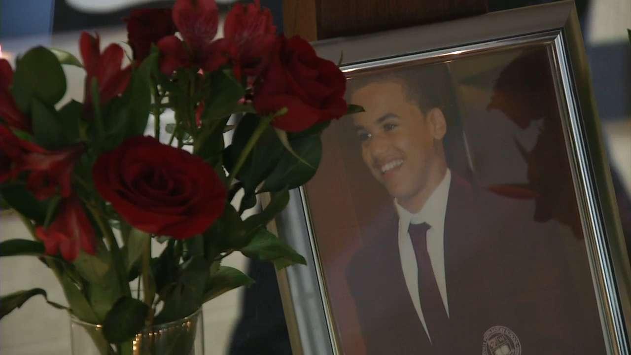 Vigil held for slain Wilmington teenager