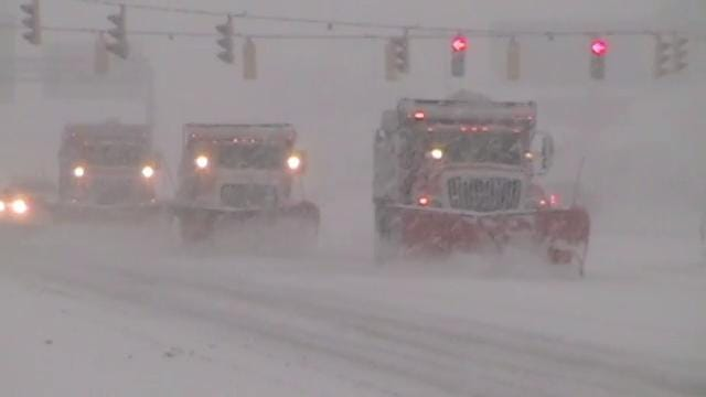 Low visibility as snow storm strengthens at Delaware beaches