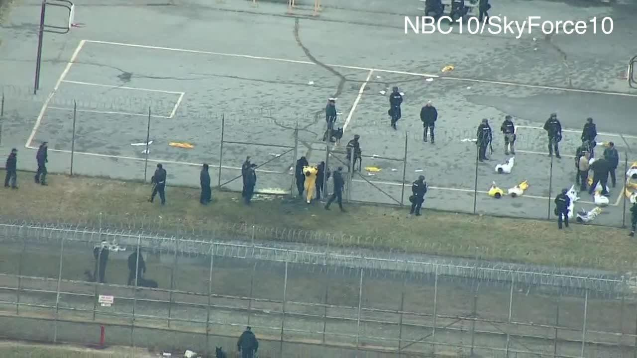 Raw video: Inmates in Smyrna prison yard following siege