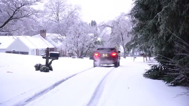 Snow, ice make for slick roads in Greenville