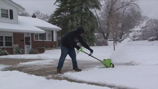 New Castle County residents dig out from snow