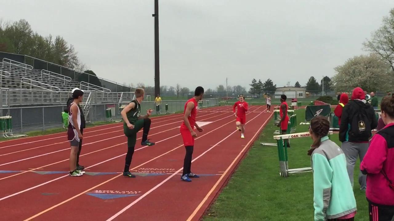 Footage from Tuesday's 4X400 relays.