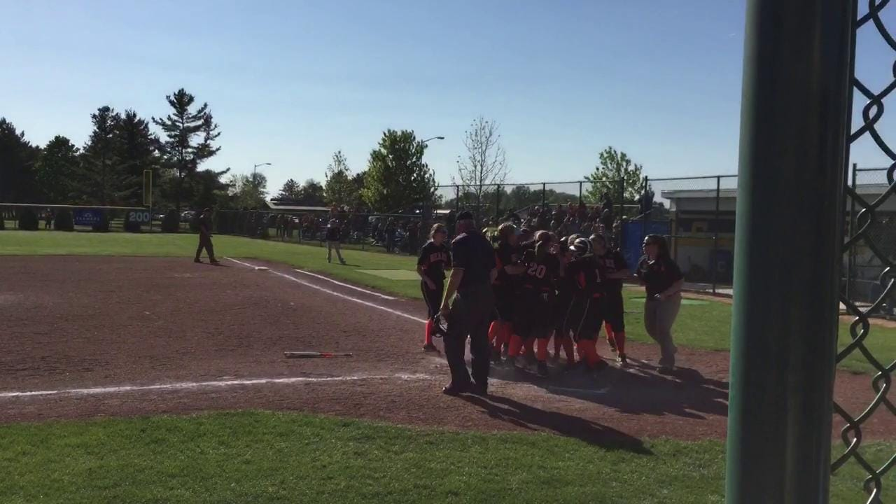 Footage from Gibsonburg's Division III district final victory Friday at Clyde.