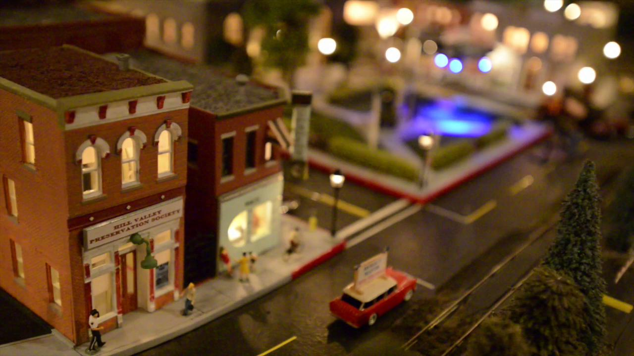 Local man creates 'Back to the Future' railroad set