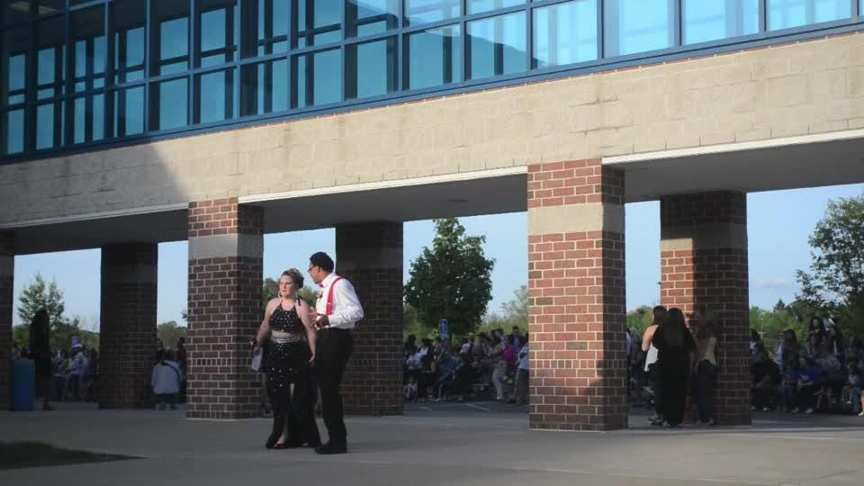 Raw video of the promenade before the dance at Zanesville High School on Saturday.