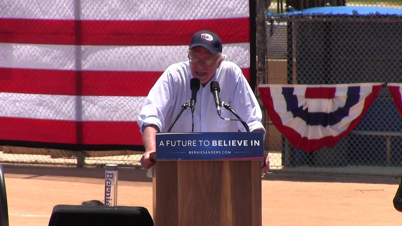 Bernie Sanders speaks to crowd in Cathedral City