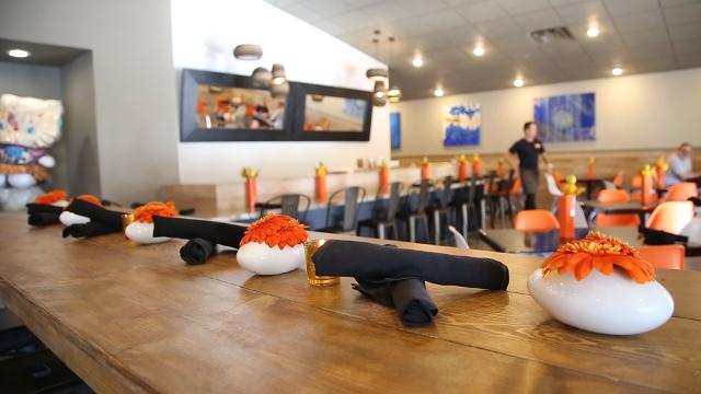 Revamped Pho 533 opens with new spring roll bar, cocktail lounge