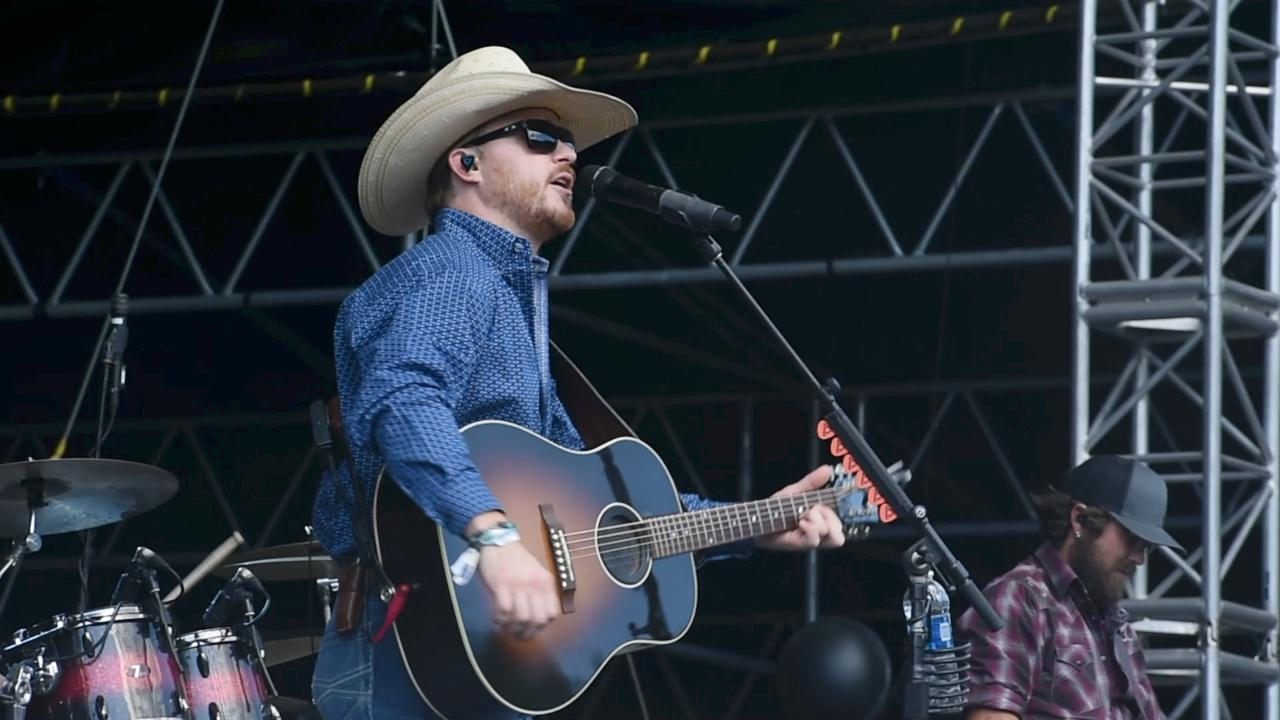 Video: A sampling of Cody Johnson at Taste of Country
